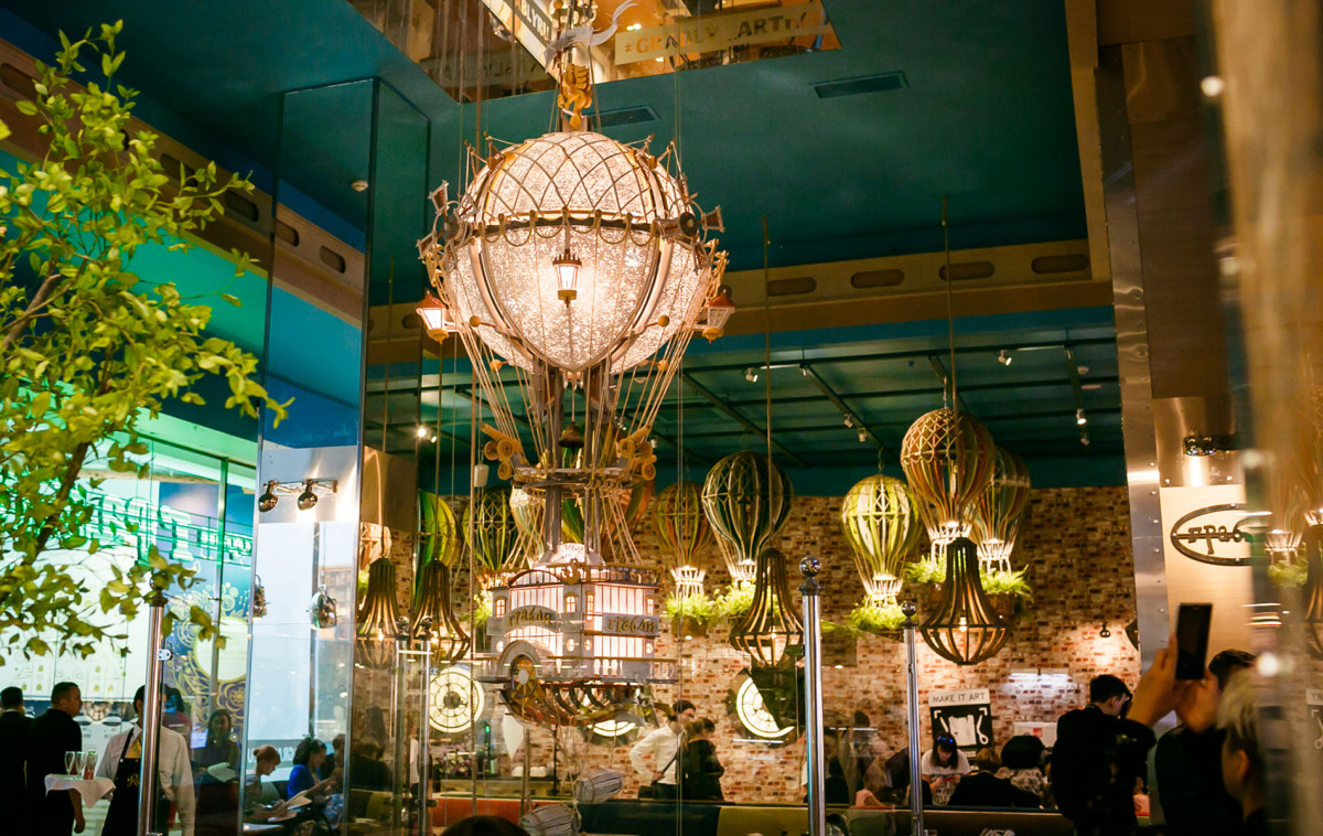 """Conception of the restaurant in Central Children's Store is """"FLYING IN DREAMS AND IN REALITY"""""""